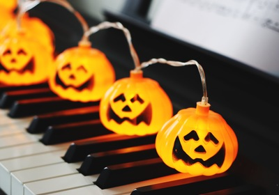 Chicago Piano Movers: Our Favorite Halloween Songs to Play on Your Piano