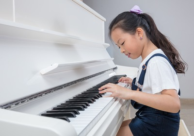 Overcoming Common Struggles of Beginner Piano Players